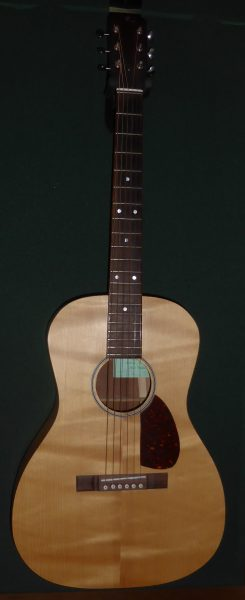 Rainer UK 00 13 Fret Acoustic