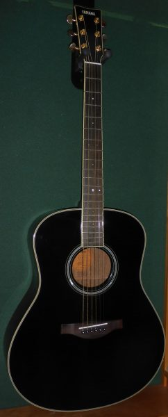 Yamaha LL6 black with Pick up