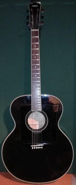 Yamaha FG 681 £395