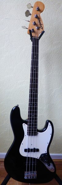 Legend Jazz Bass £90